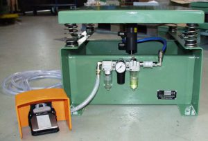 Complete pneumatic control and exhaust throttle mounted on the base frame.