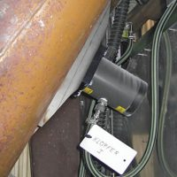 Vibrador lineal de no impacto MARTIN<SUP>®</SUP> NTS™ en tubo.